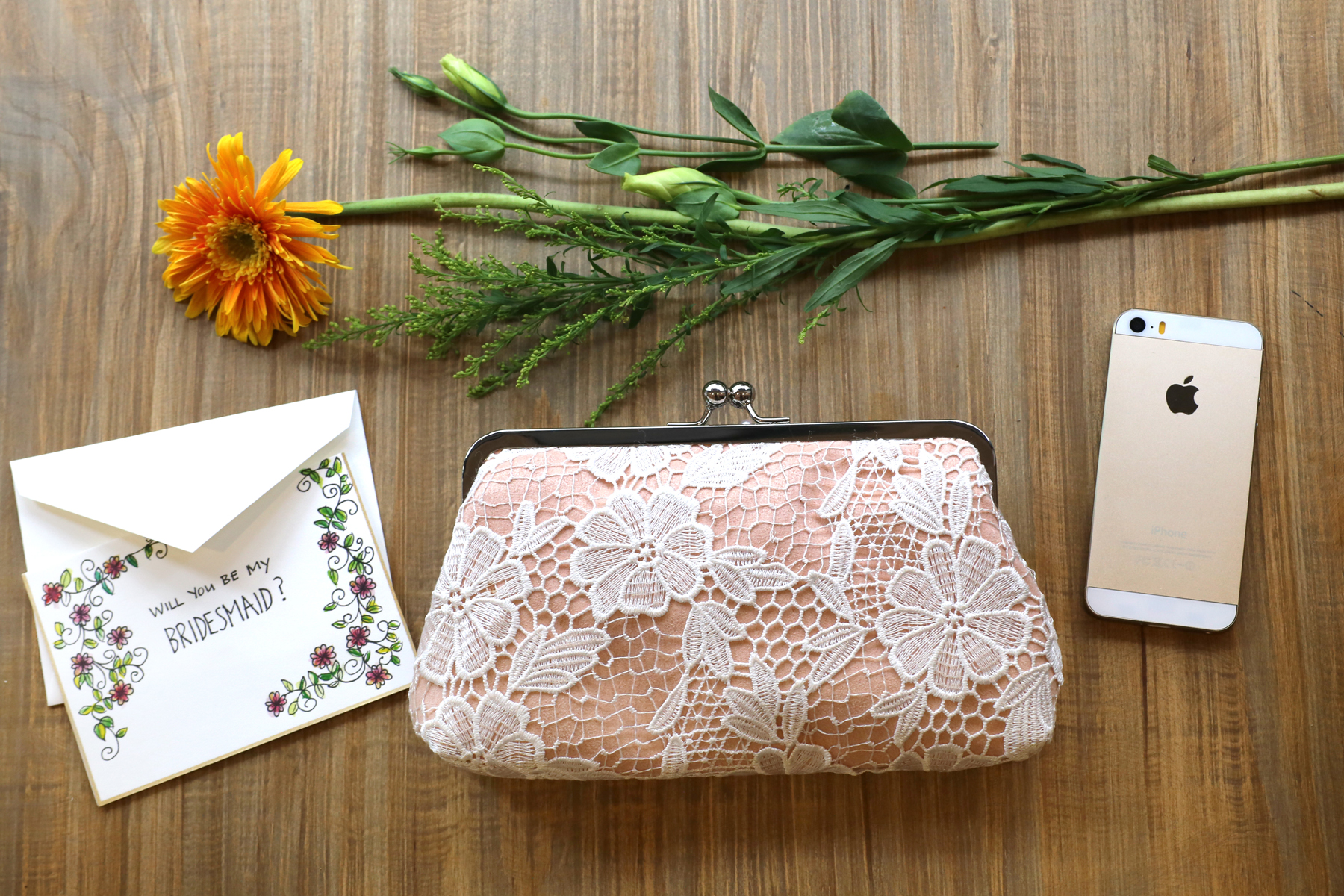 Daisy Lace Clutch in peach for bridesmaids or for the honeymoon ANGEE W. Wedding Clutches