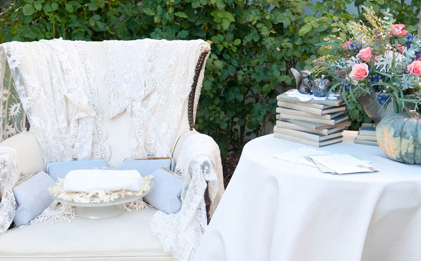 Bohemian Chic Wedding | ANGEE W. Bridal & Bridesmaids Clutch bags | Photo by Samantha Randall