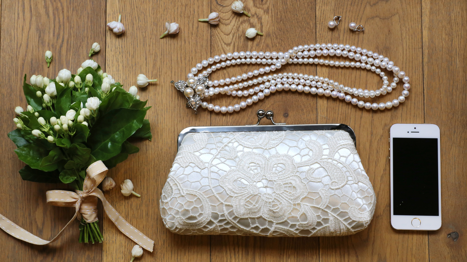 L'Heritage Lace Clutch in Ivory for bridesmaids or for the honeymoon ANGEE W. Wedding Clutches