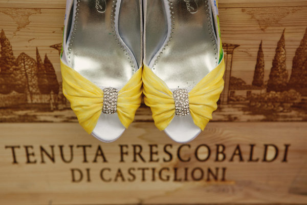Canary Yellow Shoes | Tuscany Wedding Photo by kokoro photography, styled by La Vie Le Gage