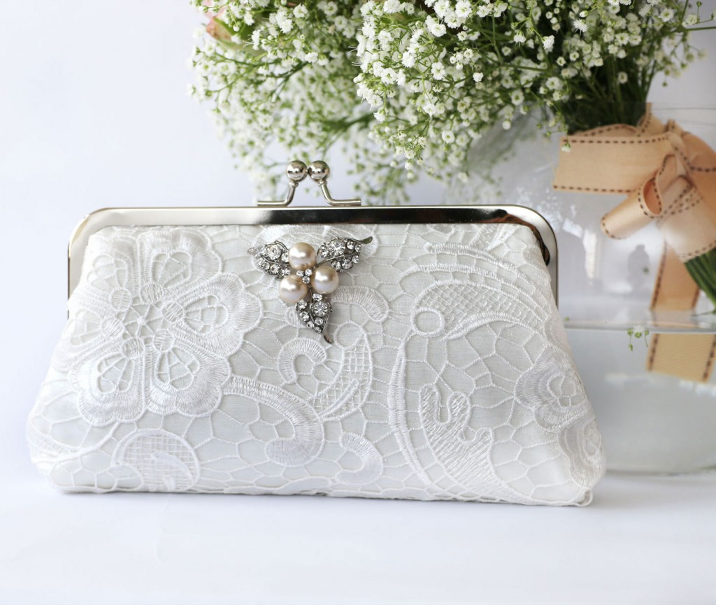 ANGEE W. L'Heritage lace clutch bag